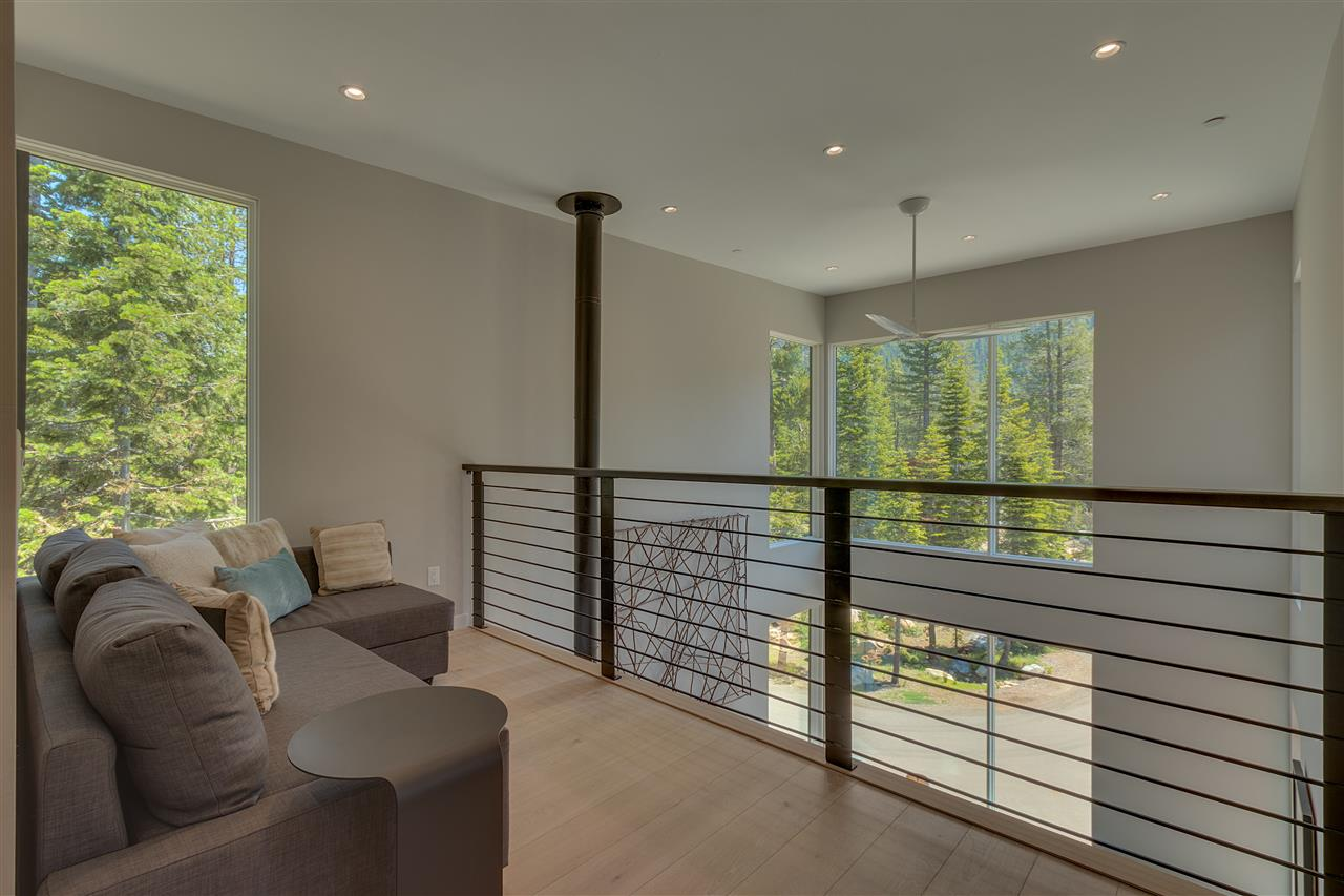 Additional photo for property listing at 170 Smiley Circle  Olympic Valley, 캘리포니아,96146 미국