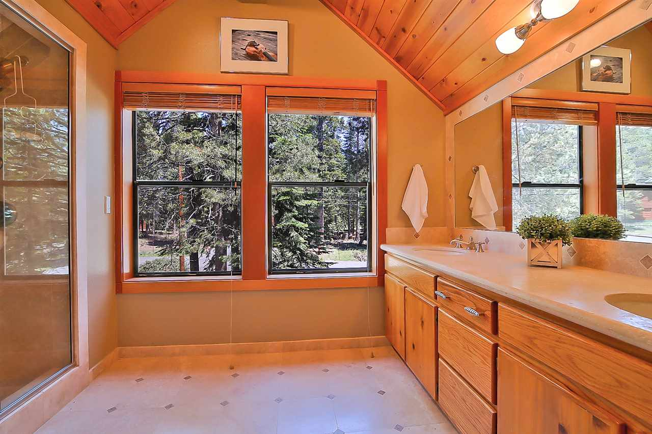 Additional photo for property listing at 13665 Edelweiss Place  Truckee, California 96161 Estados Unidos