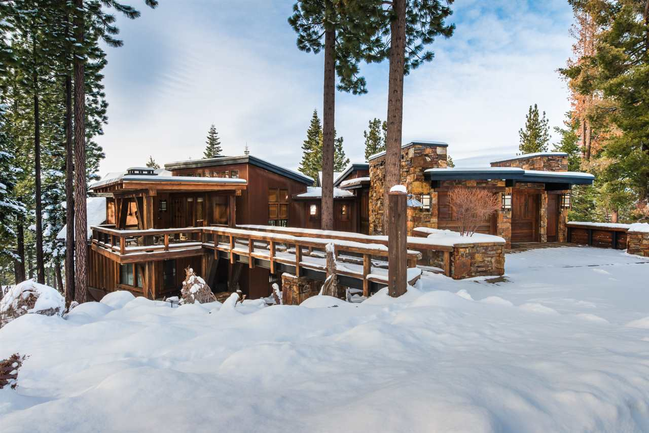 Single Family Home for Active at 2538 N Summit Place 2538 N Summit Place Truckee, California 96161 United States