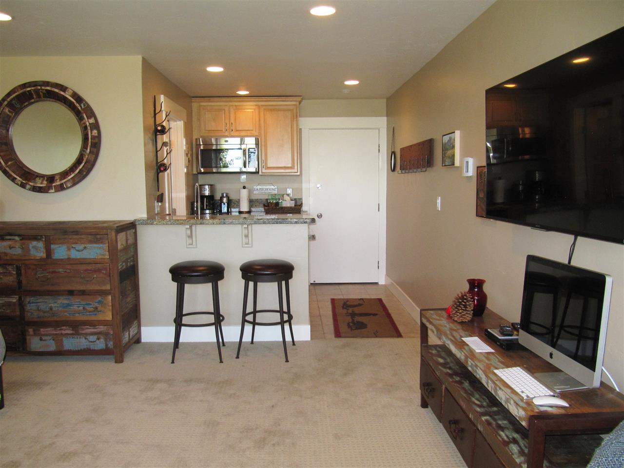 Additional photo for property listing at 11591 Snowpeak Way 11591 Snowpeak Way Truckee, California 96161 United States