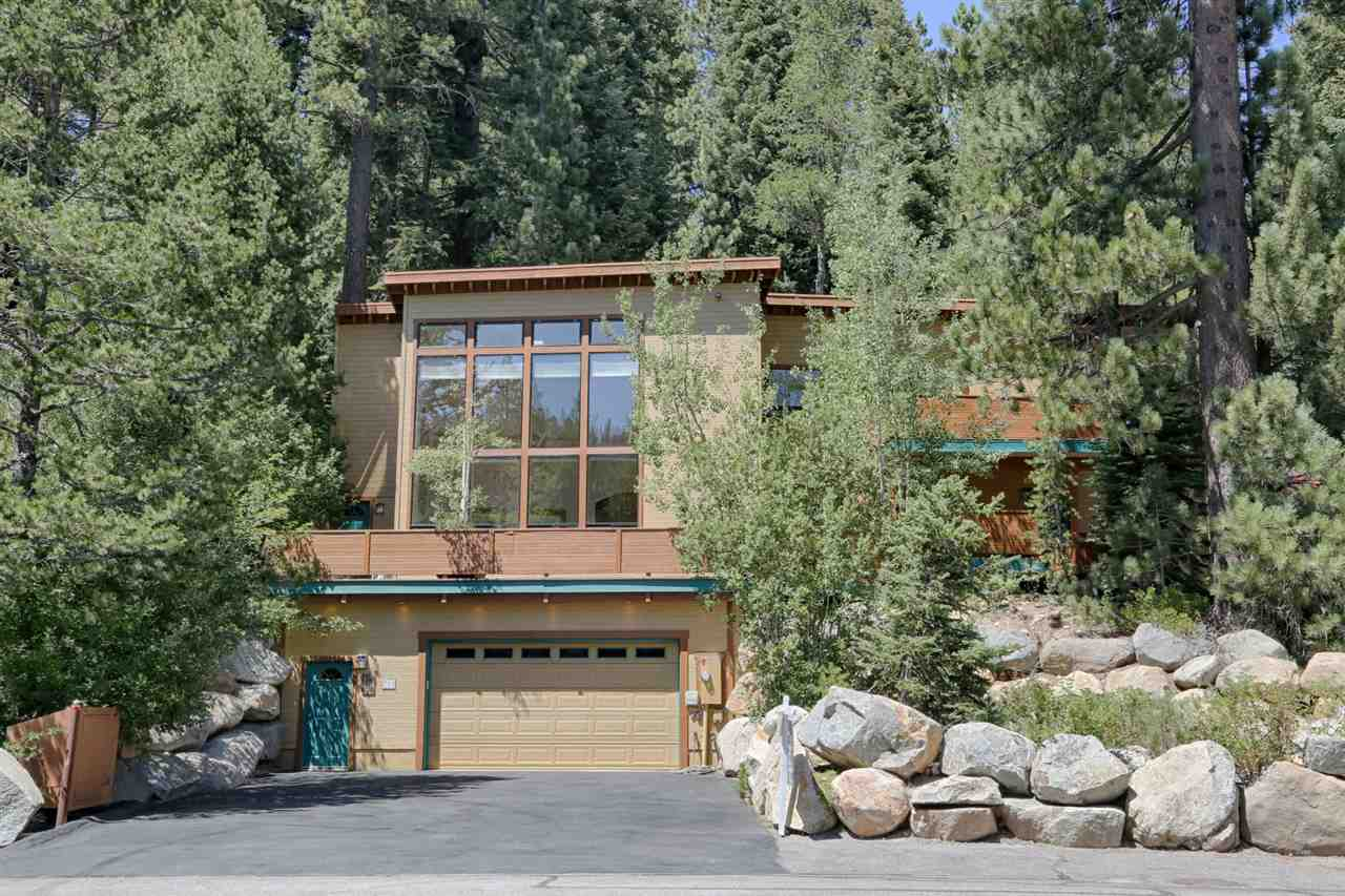 Casa Unifamiliar por un Venta en 700 Squaw Valley Road 700 Squaw Valley Road Olympic Valley, California 96146 Estados Unidos