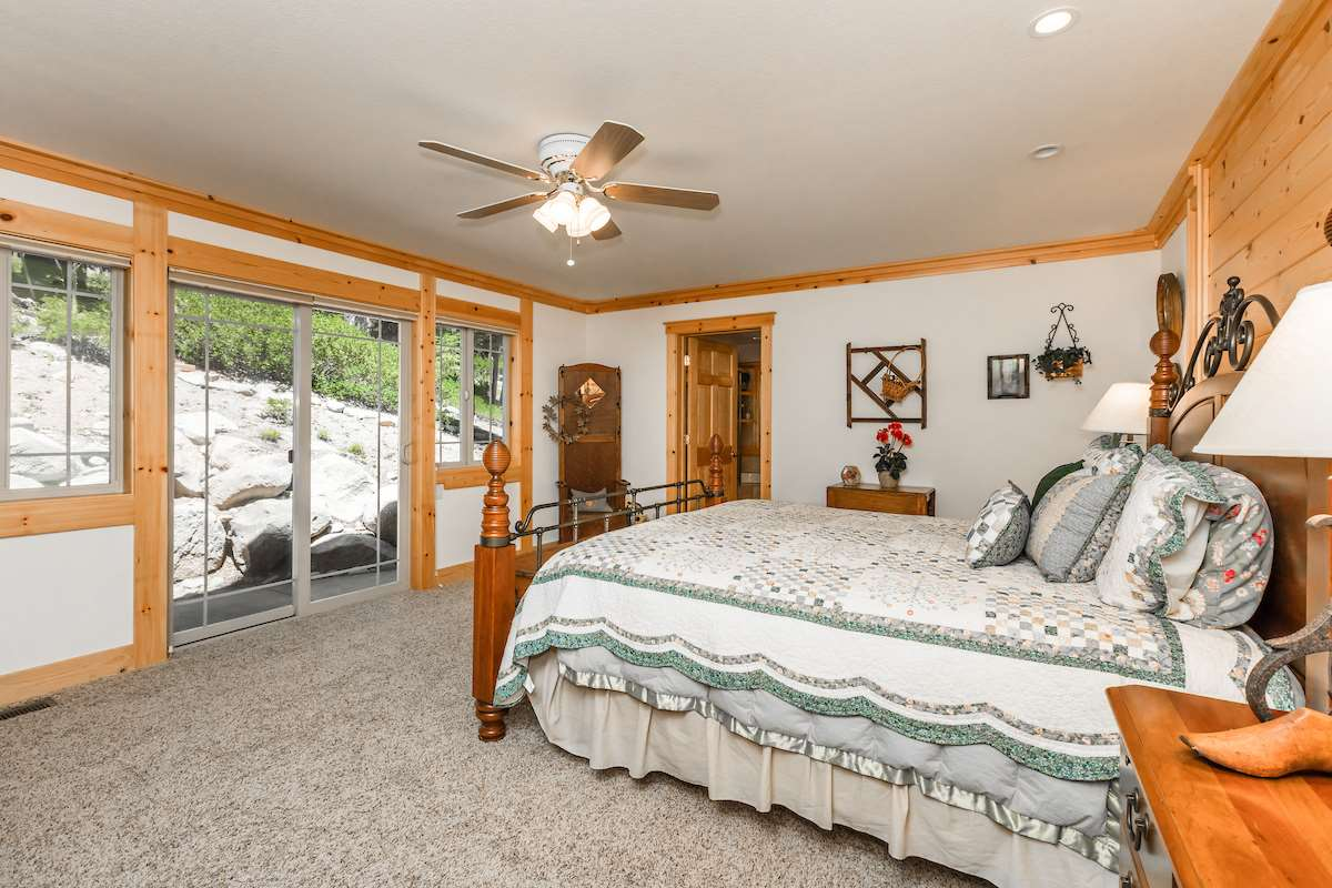Additional photo for property listing at 12916 Falcon Point Place 12916 Falcon Point Place Truckee, California,96161 Stati Uniti