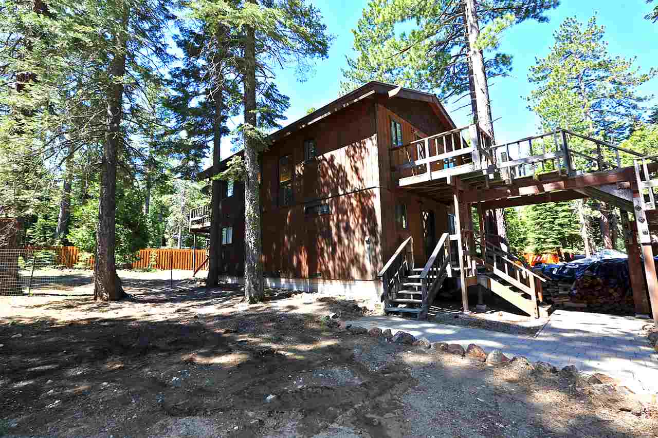 独户住宅 为 销售 在 6715 West Lake Boulevard 6715 West Lake Boulevard Tahoma, 加利福尼亚州 96141 美国