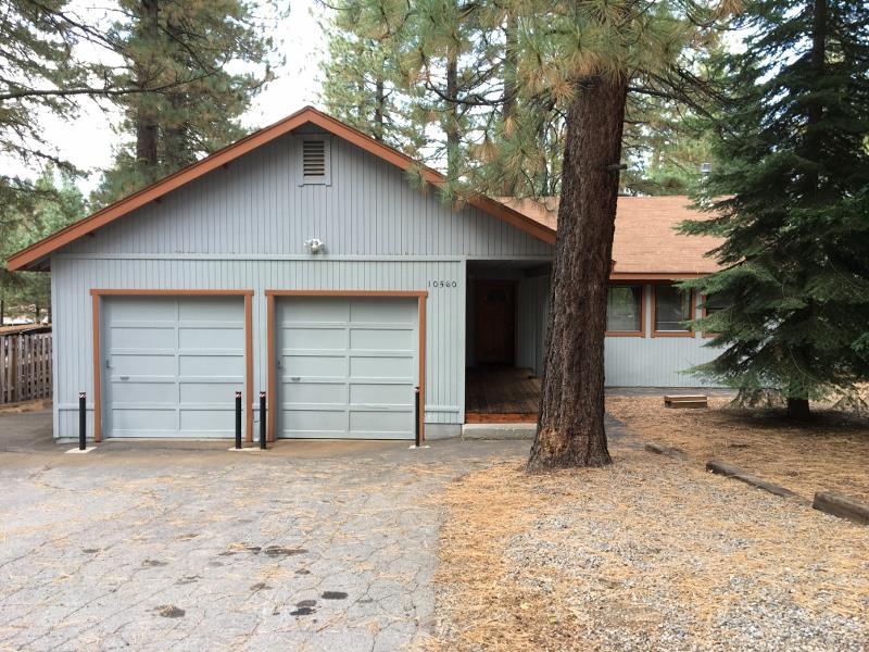 10560 Golden Pine Road, Truckee, CA 96161