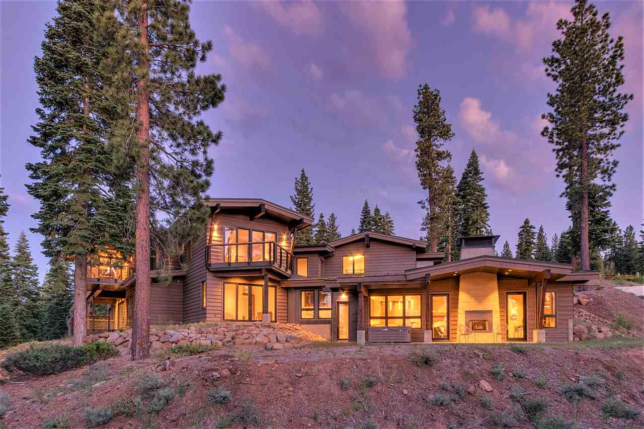 Single Family Home for Active at 19040 Glades Place Truckee, California United States