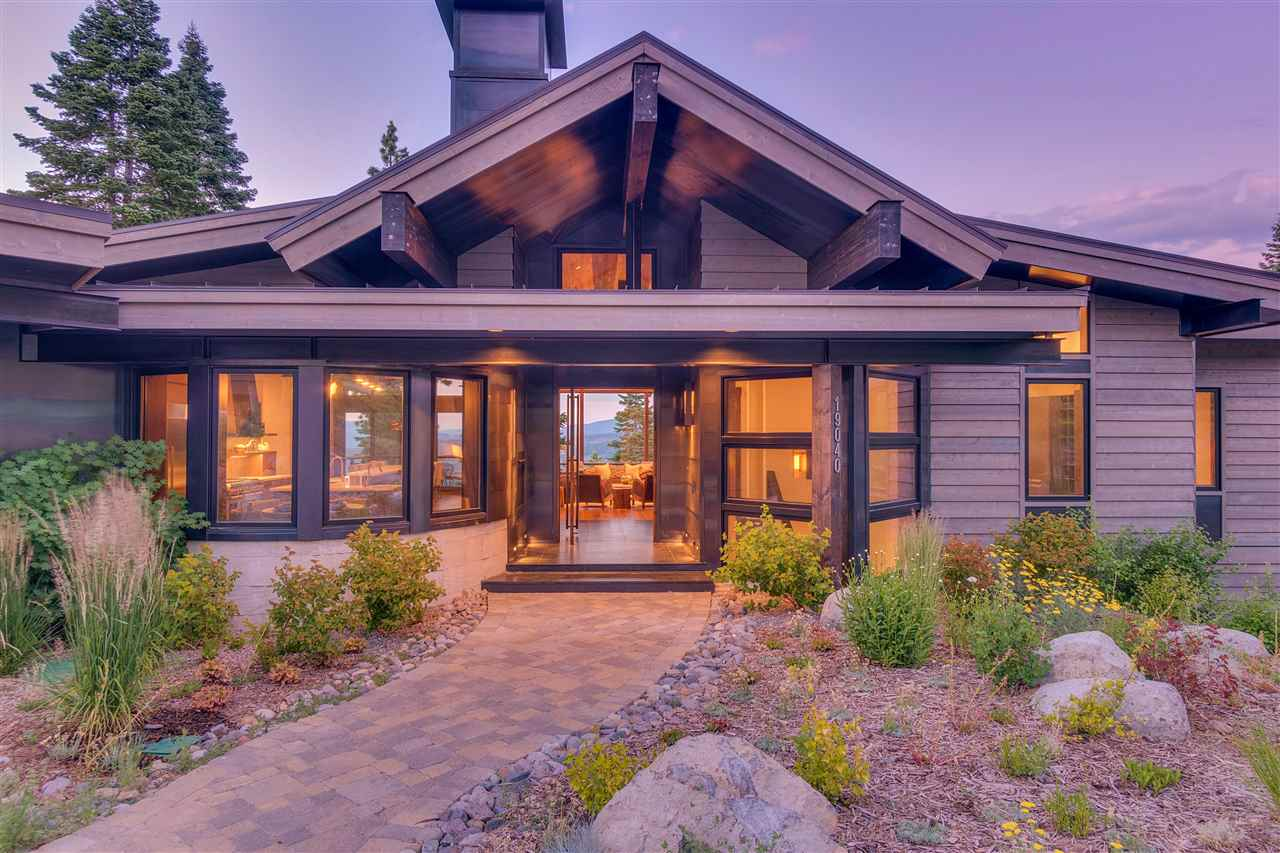 Additional photo for property listing at Glades Lodge 19040 Glades Place Truckee, Califórnia,96146 Estados Unidos