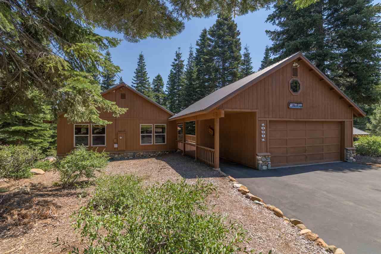 Single Family Home for Active at 10991 Zermatt Drive 10991 Zermatt Drive Truckee, California 96161 United States