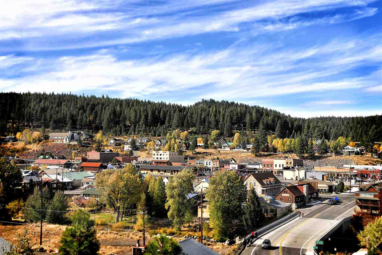 Land for Active at xxxx Rue Hilltop Truckee, California 96161 United States