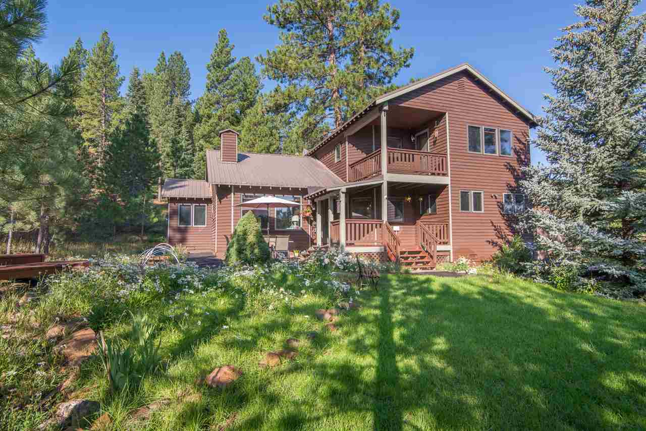 Single Family Home for Active at 10144 Somerset Drive Truckee, California 96161 United States