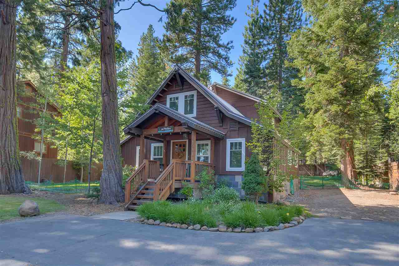 Casa Unifamiliar por un Venta en 4951 North Lake Boulevard 4951 North Lake Boulevard Carnelian Bay, California 96140 Estados Unidos