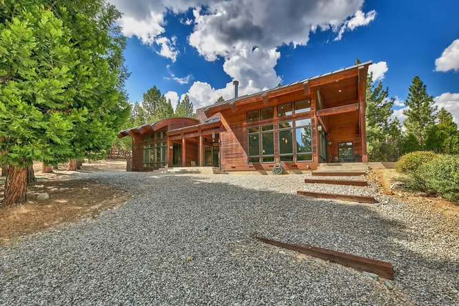 Casa Unifamiliar por un Venta en 2435 Burnham Ranch Road Lake Almanor, California 96122 Estados Unidos