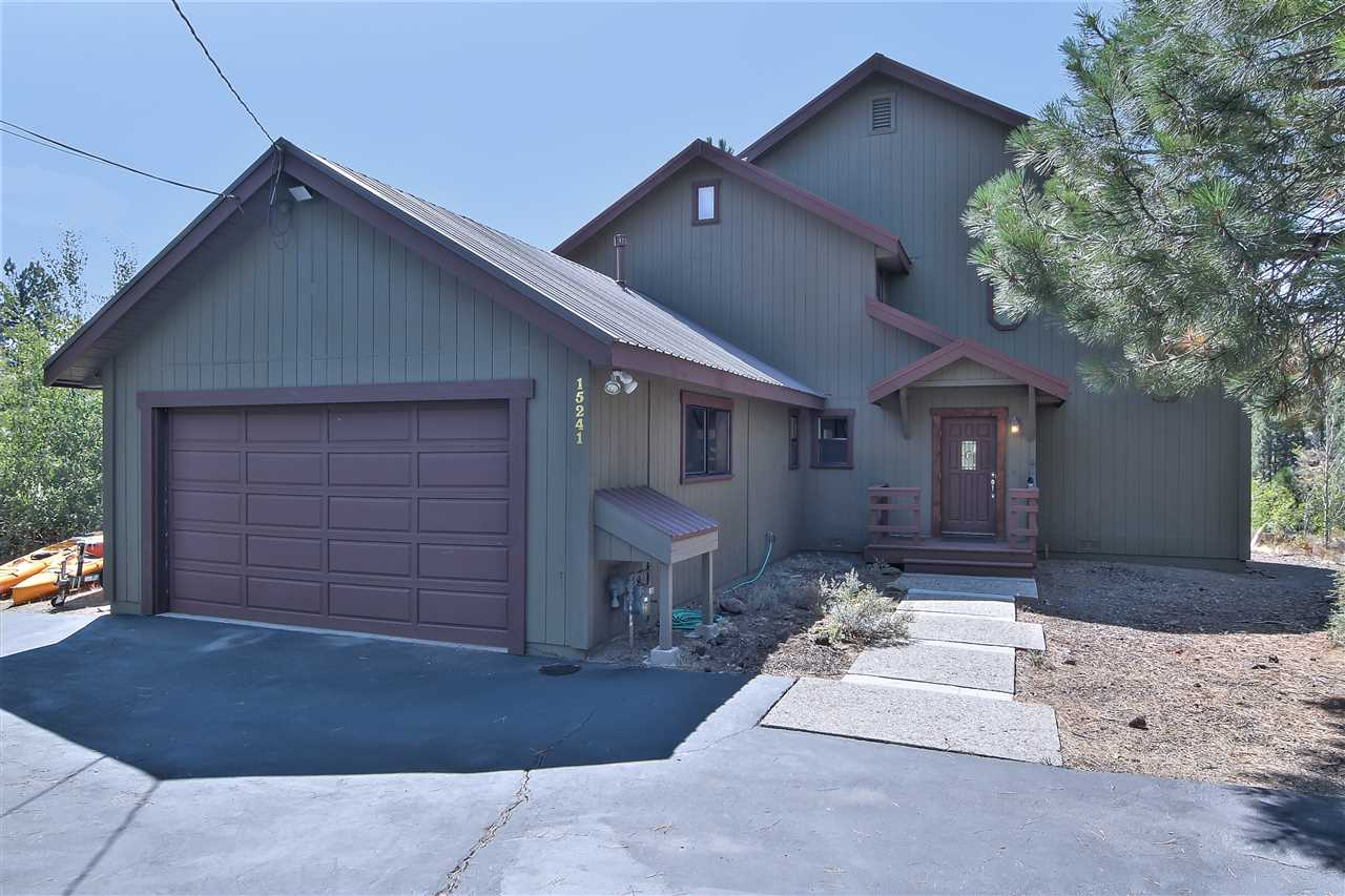 Single Family Home for Active at 15241 Icknield Way Truckee, California 96161 United States
