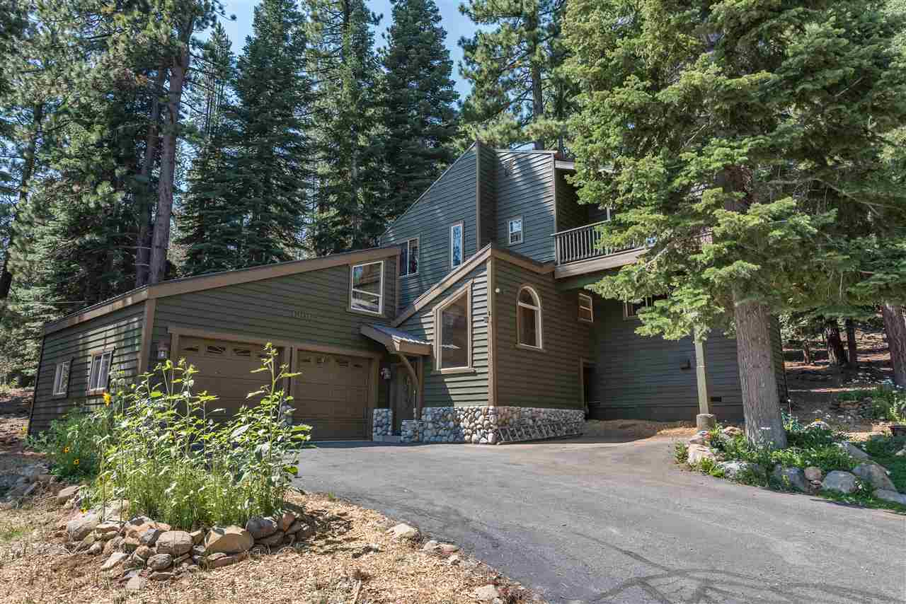 Single Family Home for Active at 12400 Lausanne Way 12400 Lausanne Way Truckee, California 96161 United States