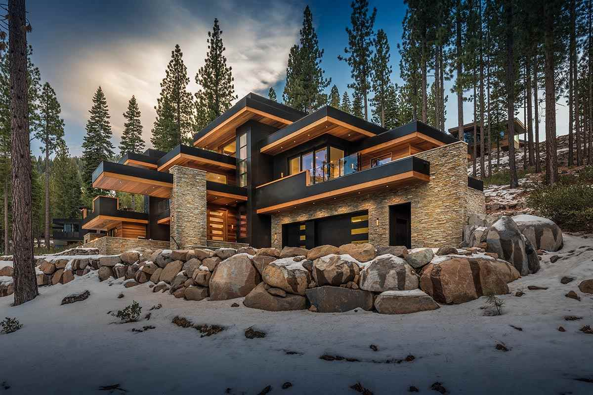 Single Family Home for Active at 9525 Wawona Court 9525 Wawona Court Truckee, California 96161 United States