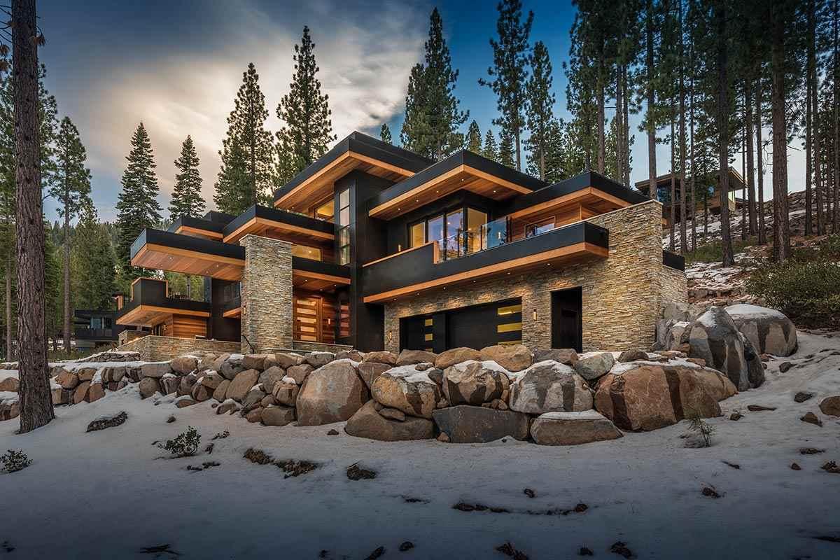 独户住宅 为 销售 在 9525 Wawona Court 9525 Wawona Court 特拉基, 加利福尼亚州 96161 美国