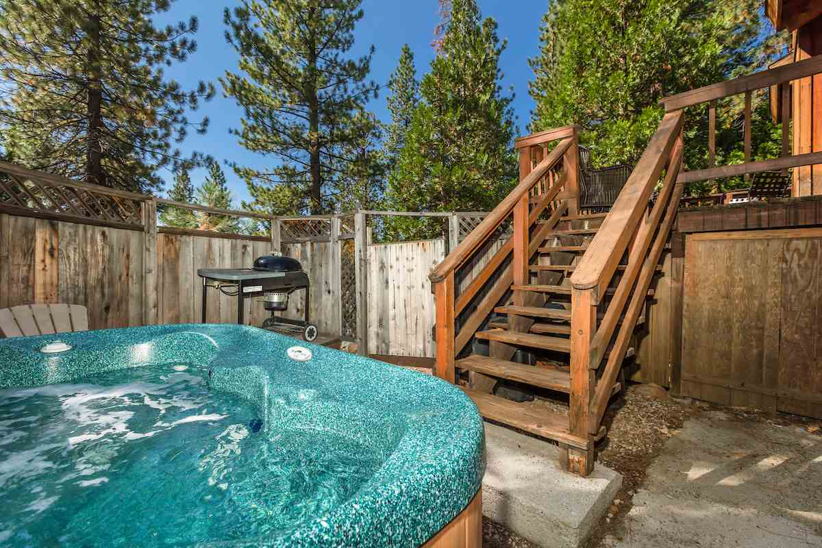Additional photo for property listing at 1250 Canterbury Drive 1250 Canterbury Drive Kings Beach, California 96143 United States