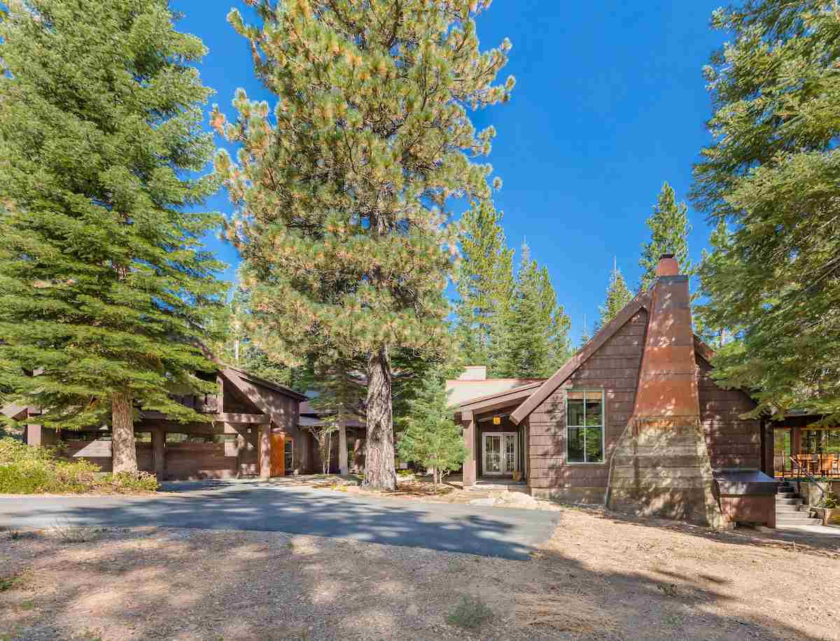 Single Family Home for Sale at 245 George Giffen 245 George Giffen Truckee, California,96161 United States