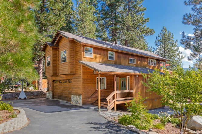 Single Family Home for Active at 10727 Balfour Reach Truckee, California 96161 United States