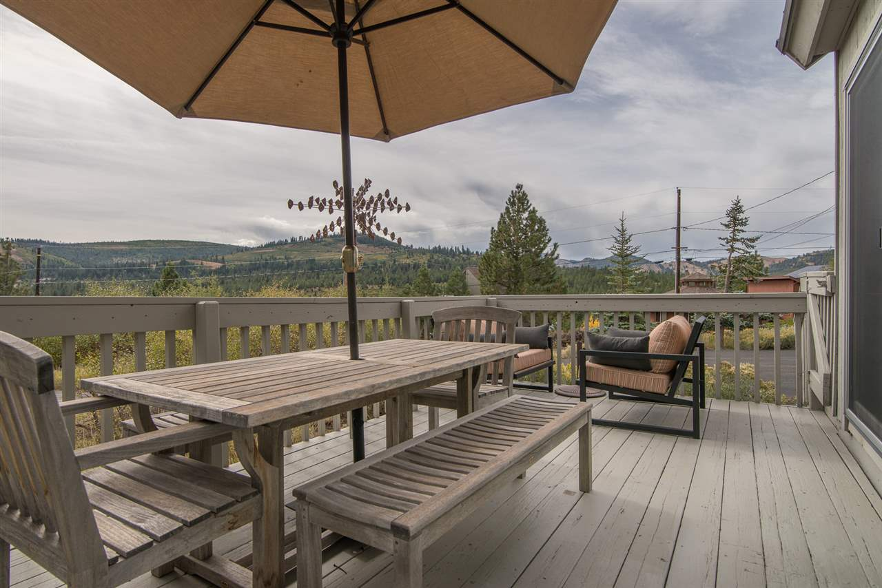 Additional photo for property listing at 12676 Pinnacle Loop 12676 Pinnacle Loop Truckee, California 96161 United States