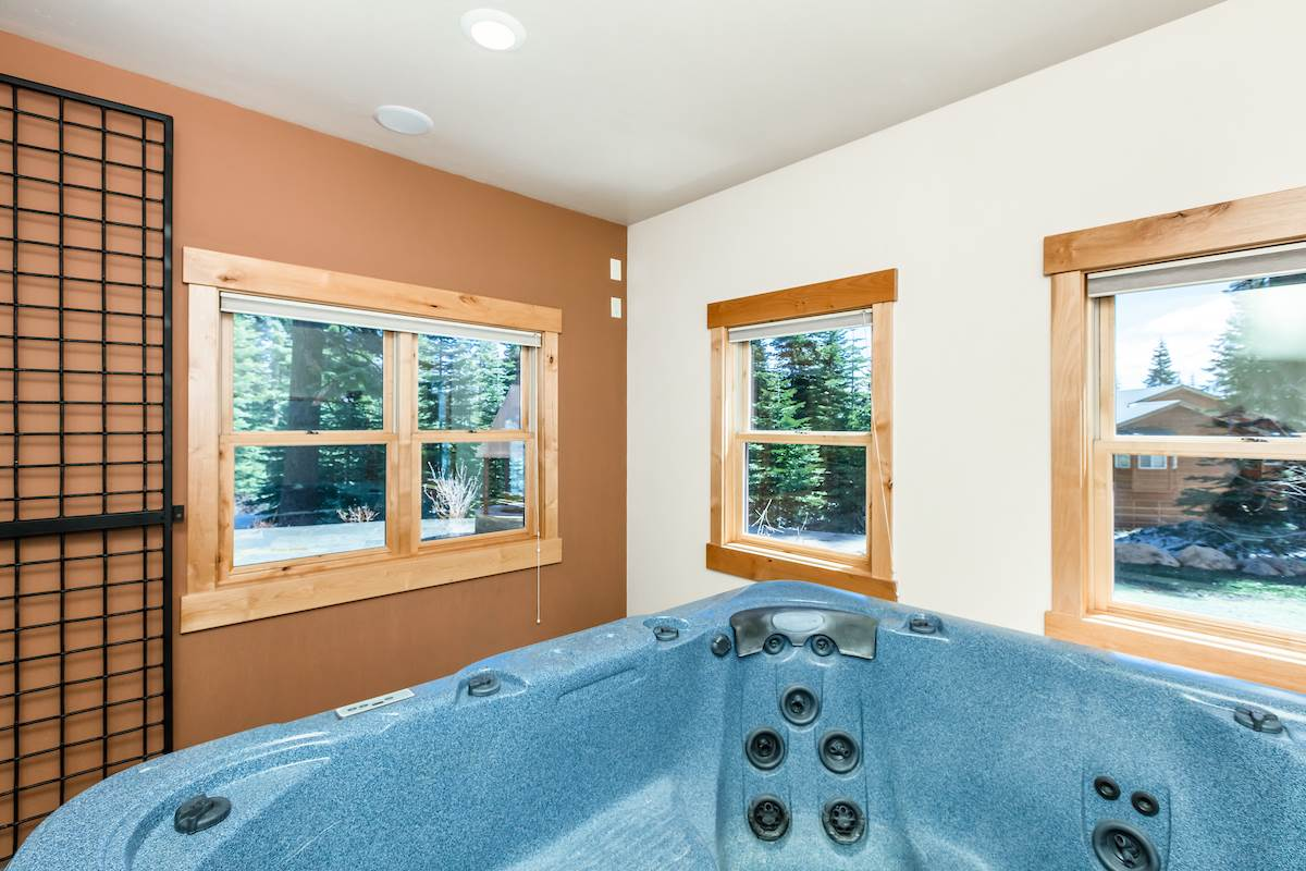 Additional photo for property listing at 11403 Skislope Way 11403 Skislope Way Truckee, Californië,96161 Verenigde Staten