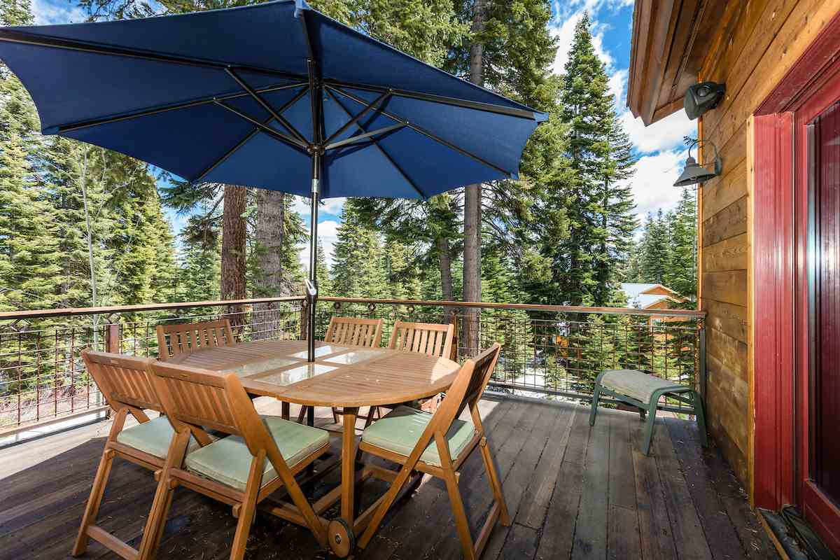Additional photo for property listing at 11403 Skislope Way 11403 Skislope Way Truckee, California,96161 Estados Unidos