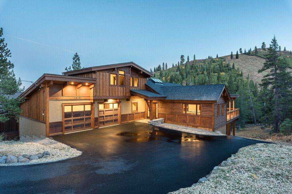 Single Family Home for Active at 16151 Skislope Way Truckee, California United States