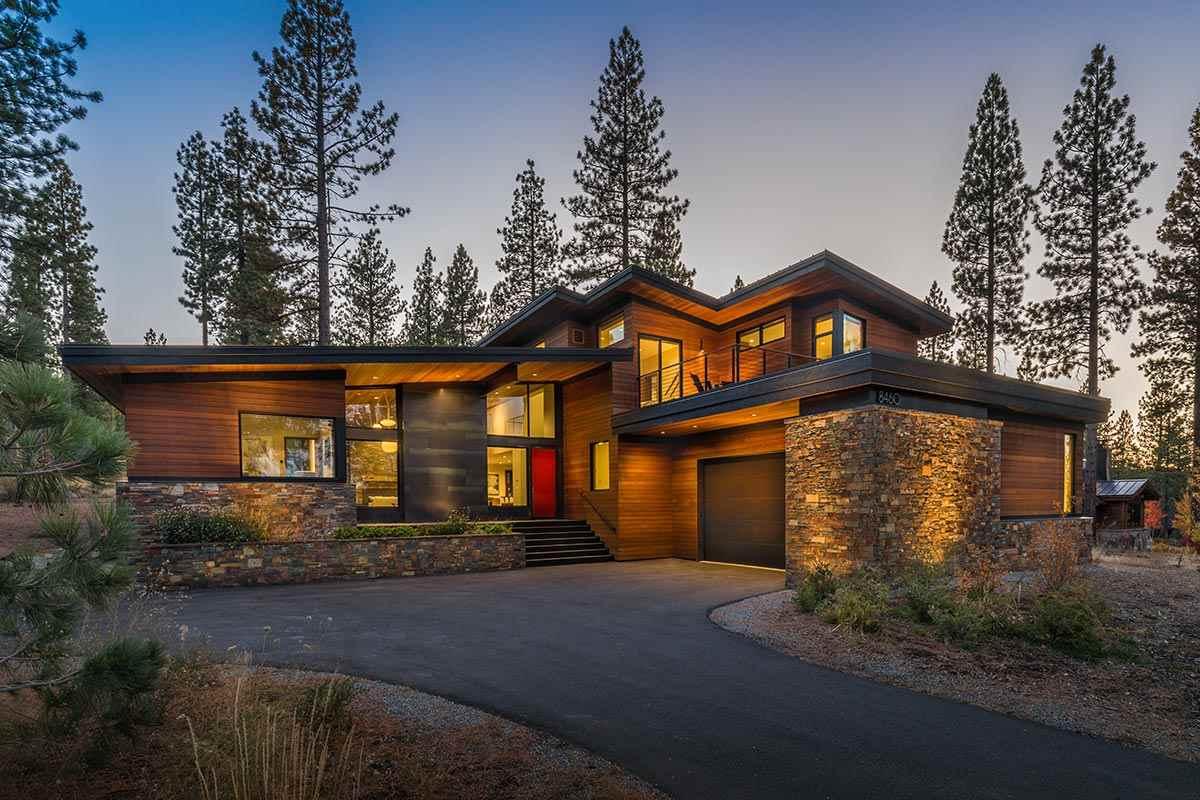 Casa Unifamiliar por un Venta en 8460 Newhall Drive 8460 Newhall Drive Truckee, California 96161 Estados Unidos
