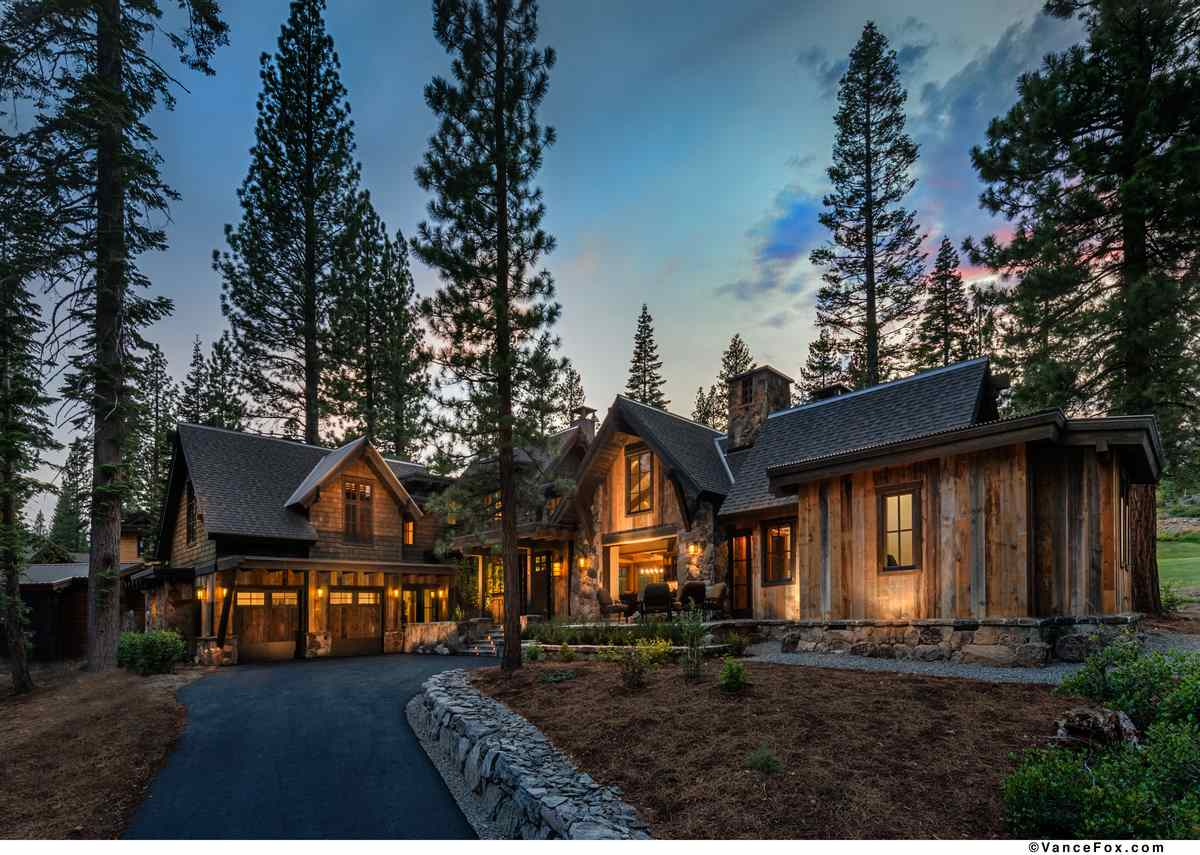 Casa Unifamiliar por un Venta en 8710 Breakers Court 8710 Breakers Court Truckee, California 96161 Estados Unidos