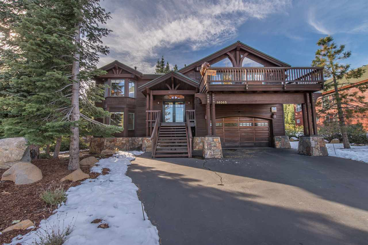 Single Family Home for Active at 14065 Skislope Way Truckee, California United States