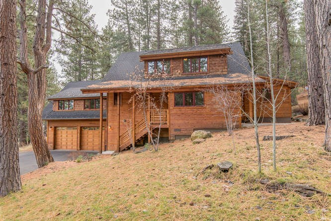 Single Family Home for Active at 15107 Berkshire Circle 15107 Berkshire Circle Truckee, California 96161 United States