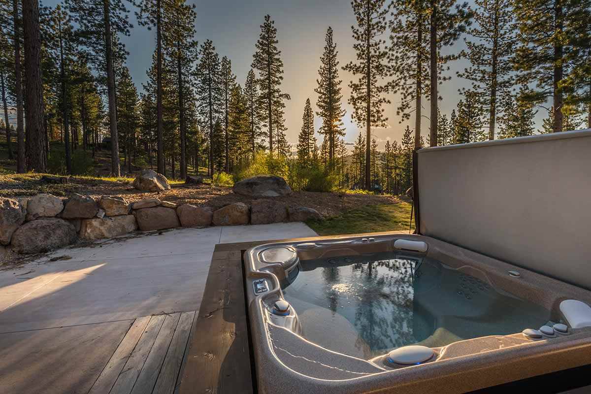 Additional photo for property listing at 8238 Ehrman Drive 8238 Ehrman Drive Truckee, California 96161 Estados Unidos