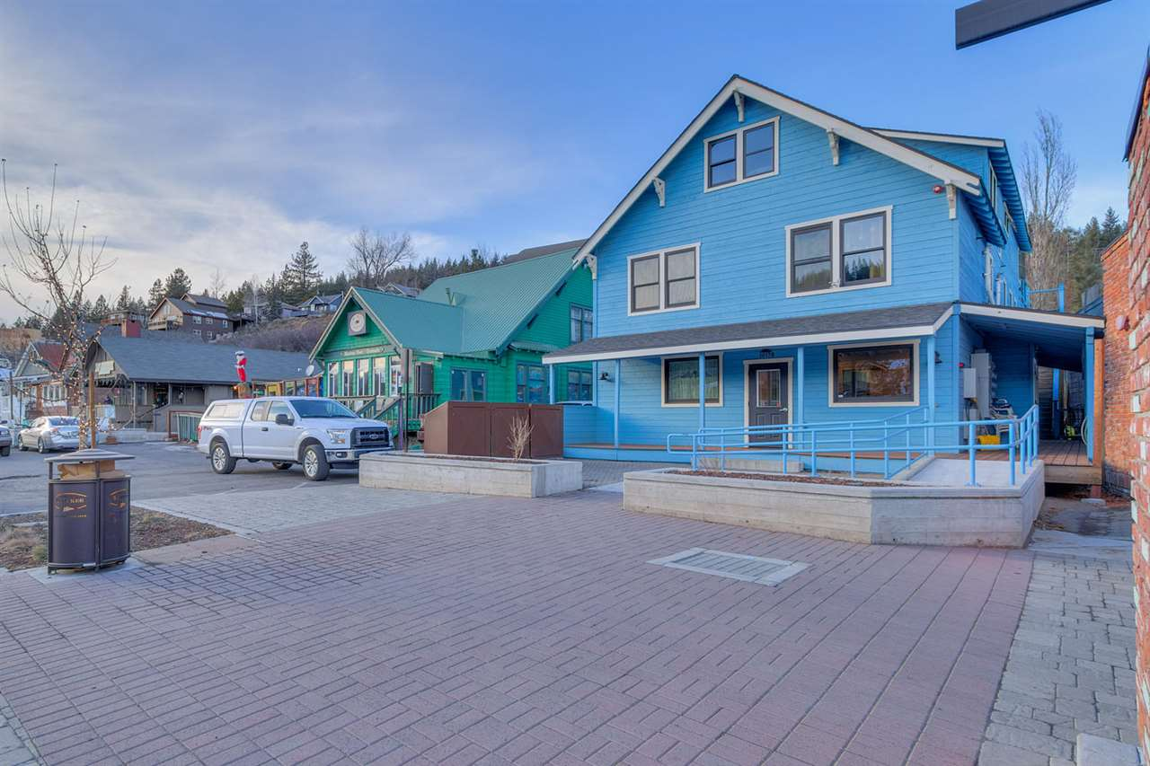 Additional photo for property listing at 10178 Donner Pass Road Truckee, California 96161 United States