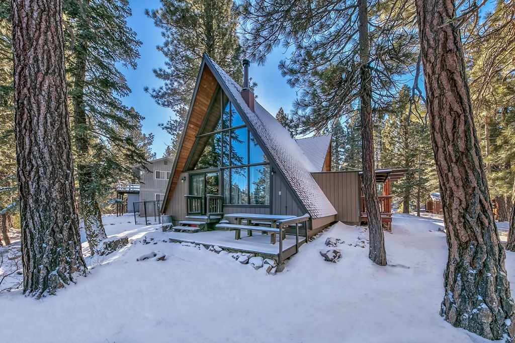 Additional photo for property listing at 15114 Donnington Lane Truckee, California 96161 United States