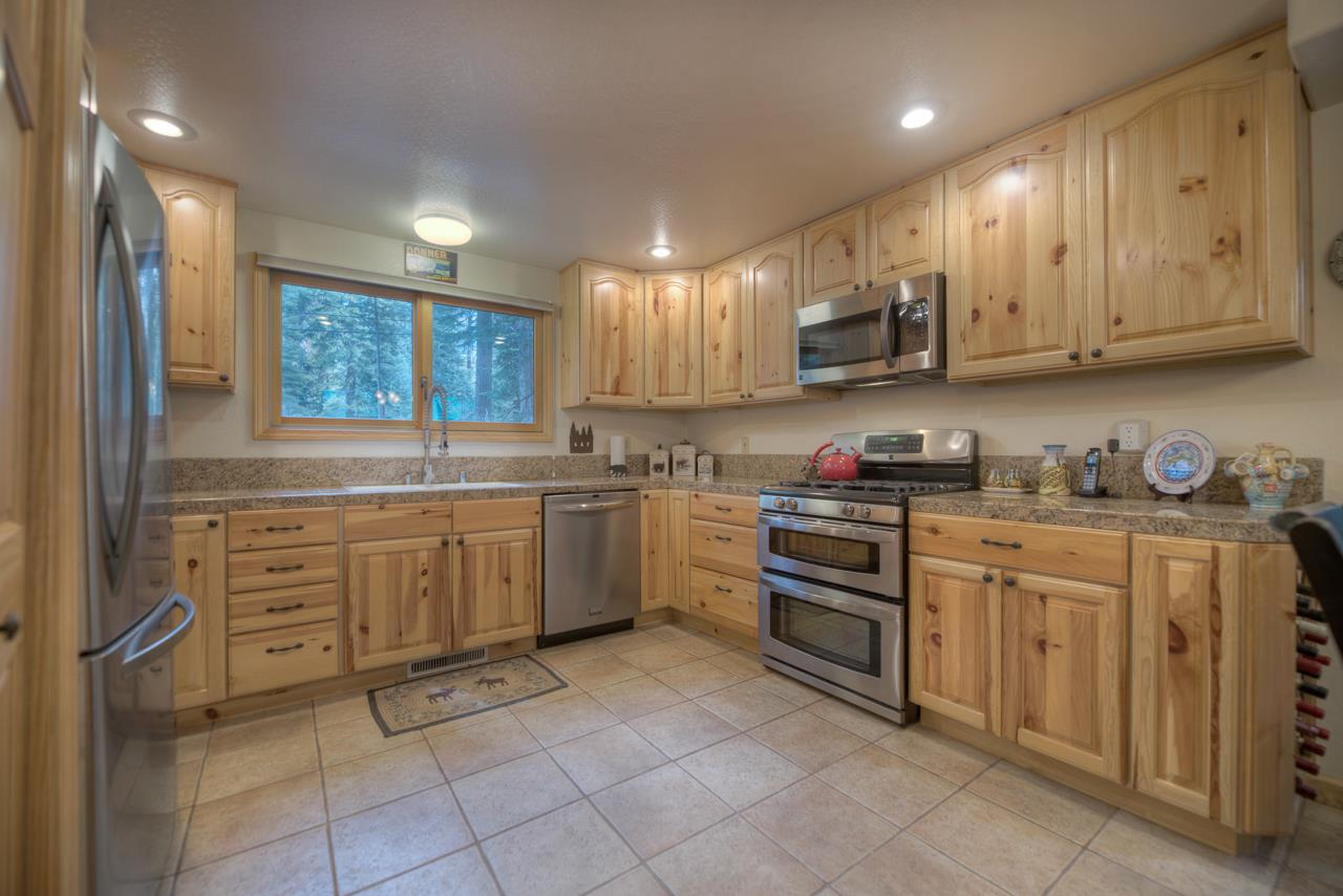 Additional photo for property listing at 16483 Salmon Street 16483 Salmon Street Truckee, California 96161 United States