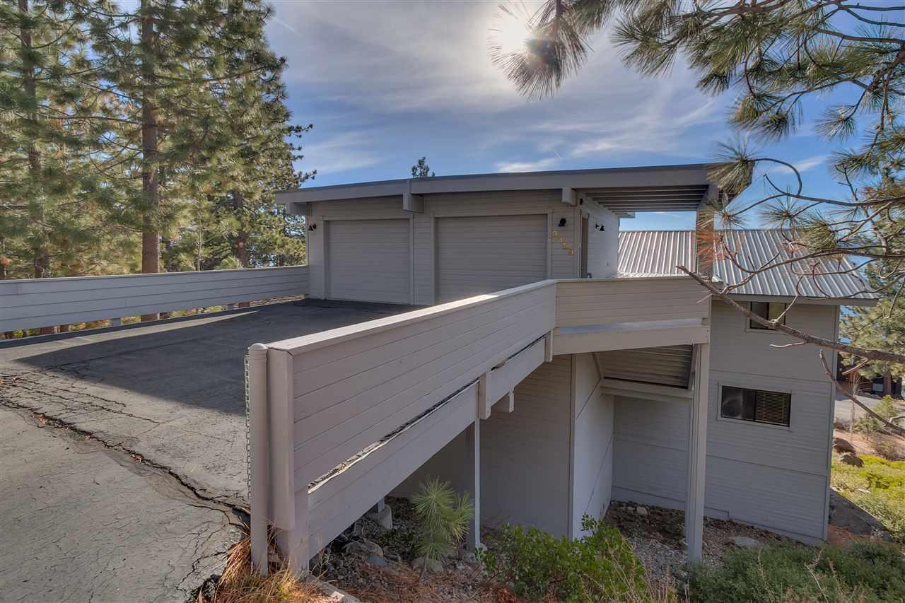Casa Unifamiliar por un Venta en 3359 Edgewater Drive 3359 Edgewater Drive Tahoe City, California 96145 Estados Unidos