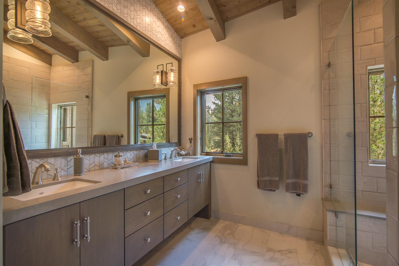 Additional photo for property listing at 104 Yank Clement 104 Yank Clement Truckee, California 96161 Estados Unidos