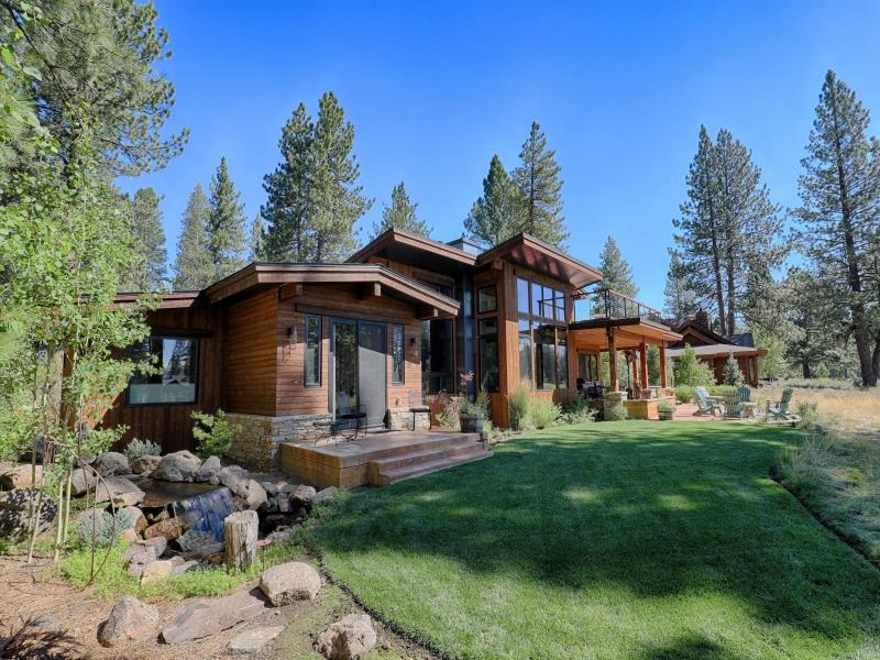 Single Family Home for Active at 13535 Fairway Drive 13535 Fairway Drive Truckee, California 96161 United States