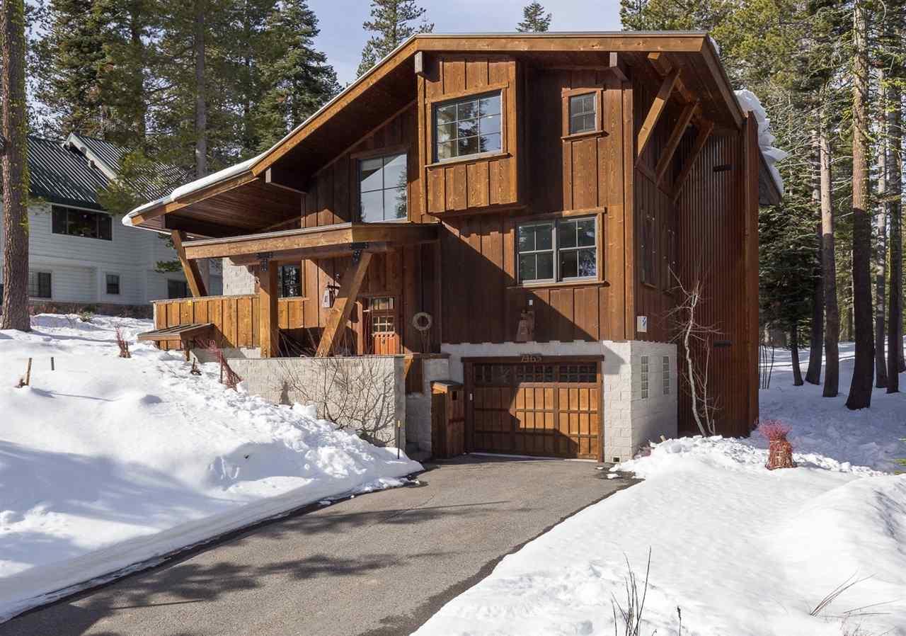 Casa Unifamiliar por un Venta en 7465 Hillside Drive 7465 Hillside Drive Truckee, California 95728 Estados Unidos
