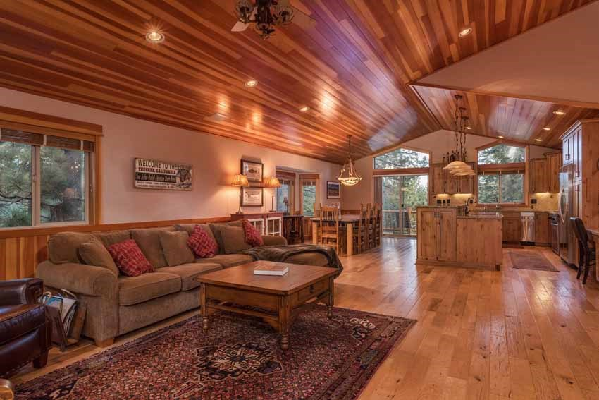 Single Family Home for Active at 12790 Peregrine Drive 12790 Peregrine Drive Truckee, California 96161 United States