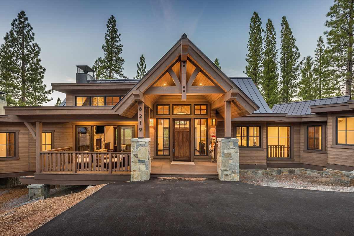 独户住宅 为 销售 在 8219 Ehrman Drive 8219 Ehrman Drive 特拉基, 加利福尼亚州 96161 美国