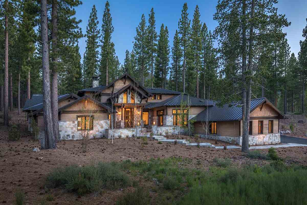 Single Family Home for Active at 7088 Villandry Circle 7088 Villandry Circle Truckee, California 96161 United States