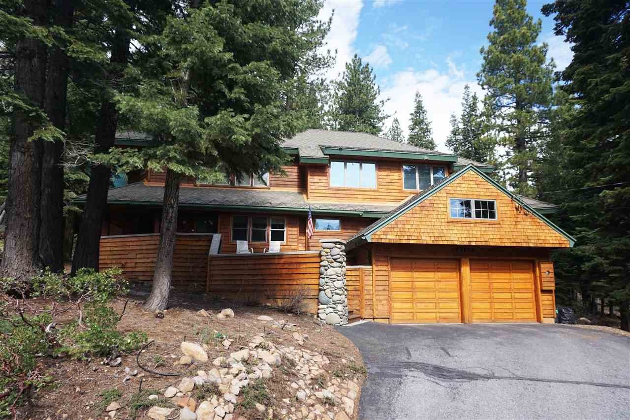 Single Family Home for Active at 12874 Roundhill Drive 12874 Roundhill Drive Truckee, California 96161 United States