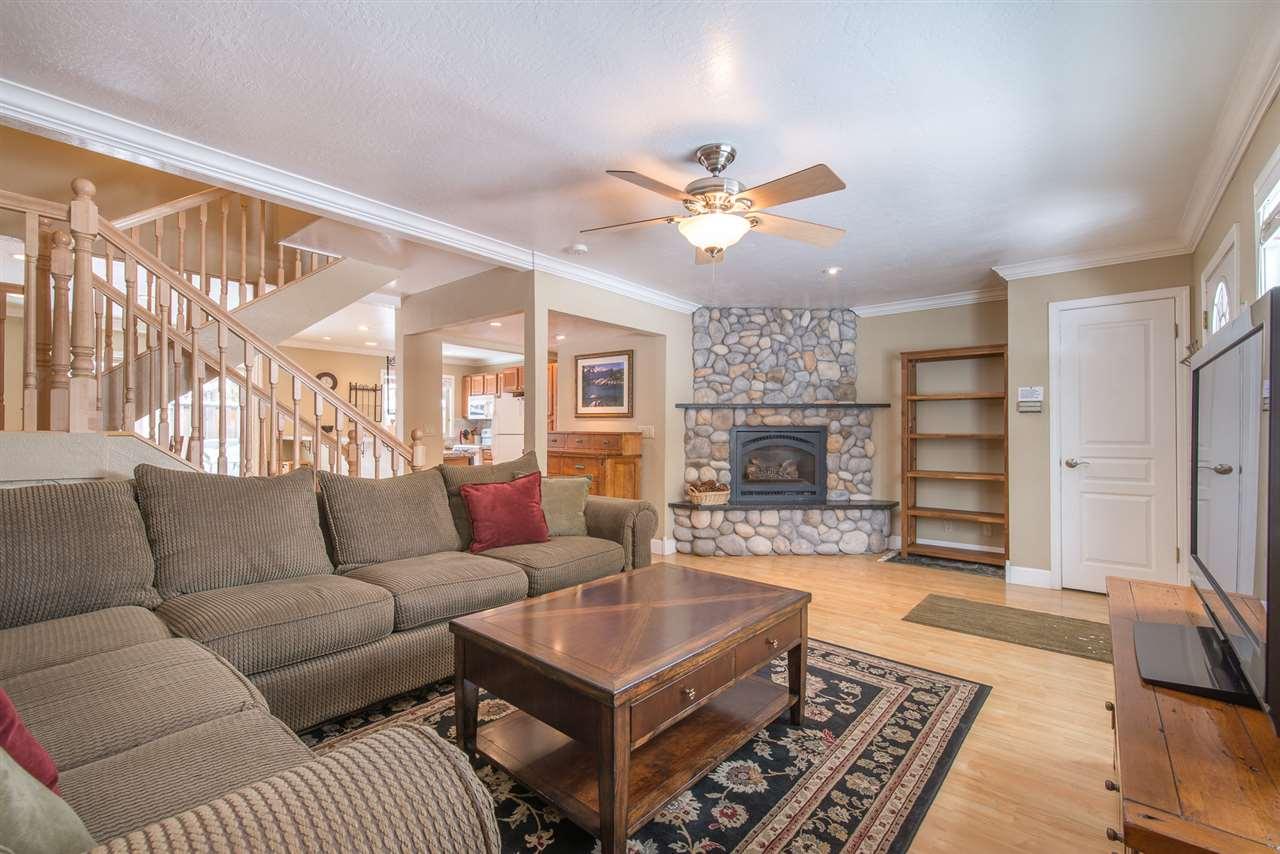 Condominio por un Venta en 3101 Lake Forest Drive 3101 Lake Forest Drive Tahoe City, California 96145 Estados Unidos