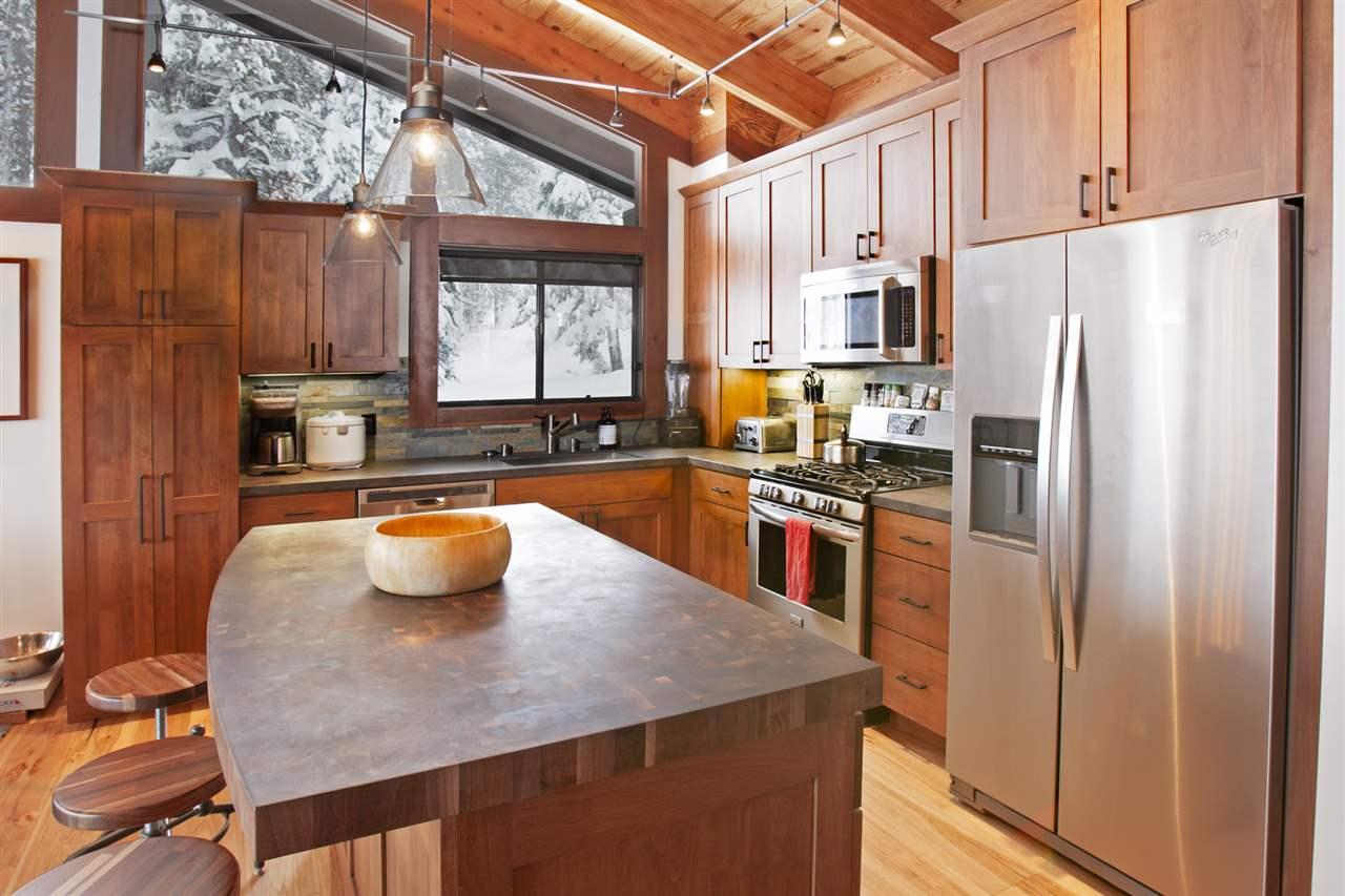Condominio por un Venta en 3600 North Lake Boulevard 3600 North Lake Boulevard Tahoe City, California 96145 Estados Unidos