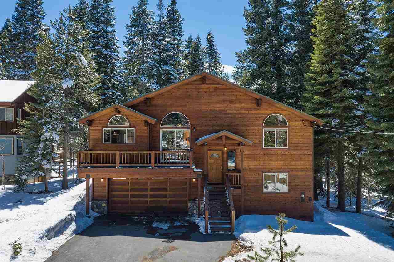 Single Family Home for Active at 11316 Sitzmark Way 11316 Sitzmark Way Truckee, California 96161 United States