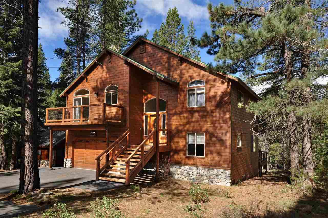 Single Family Home for Active at 11530 Lausanne Way 11530 Lausanne Way Truckee, California 96161 United States