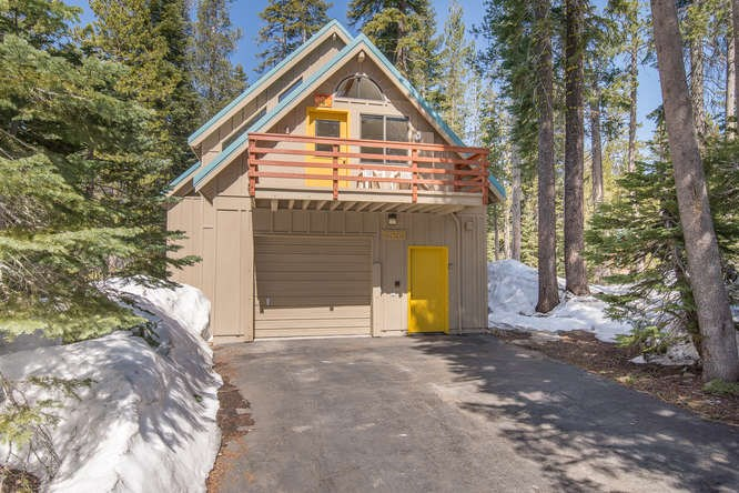 Single Family Home for Active at 7359 Cascade Drive 7359 Cascade Drive Truckee, California 95728 United States