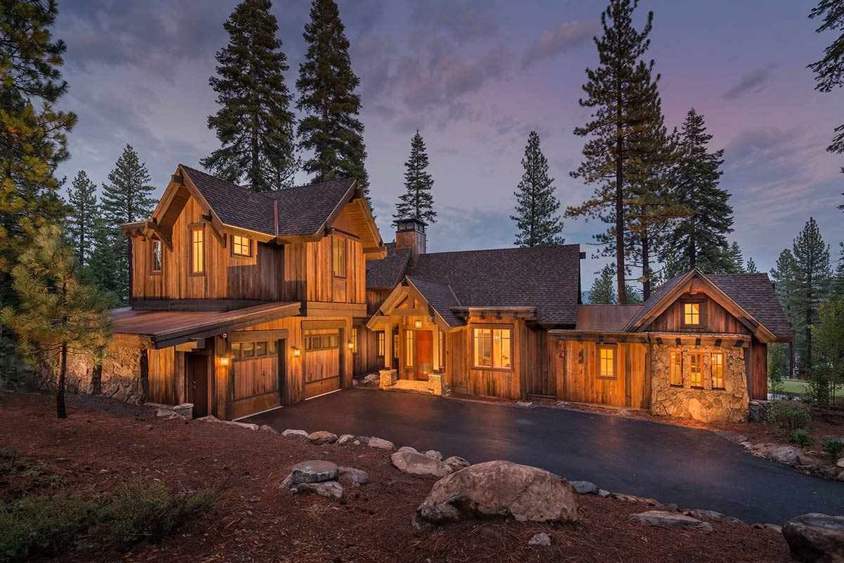 Single Family Home for Active at 8605 Huntington Court 8605 Huntington Court Truckee, California 96161 United States