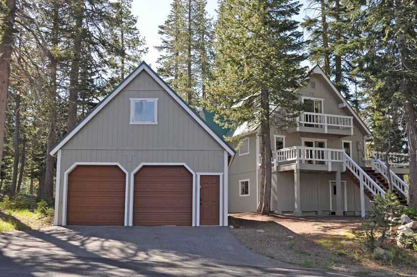 Single Family Home for Active at 7338 Cascade Road 7338 Cascade Road Truckee, California 95728 United States