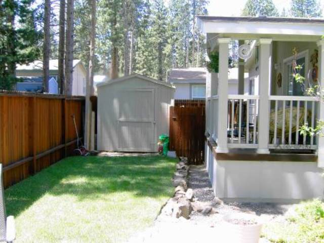 Additional photo for property listing at 10100 Pioneer Drive 10100 Pioneer Drive Truckee, California 96161 United States